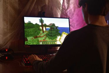 Online video gaming limited to an hour in china